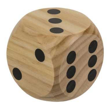 1x houten dobbelstenen 6 x 6 cm